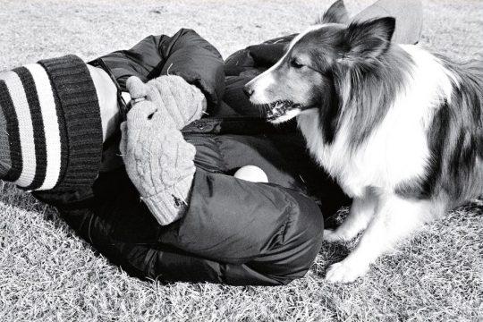 """루시드폴은 """"강아지에게 시간은 곧 기다림의 연속이라는 생각이 든다. 어떤 때는 미안한데 한편으로는 그것이 자신만의 시간이라 생각하고 살 것 같다. 그래서 쓴 곡이 '아이윌 올웨이즈 웨이트 포 유'다""""라고 말했다. / 사진제공=안테나뮤직"""