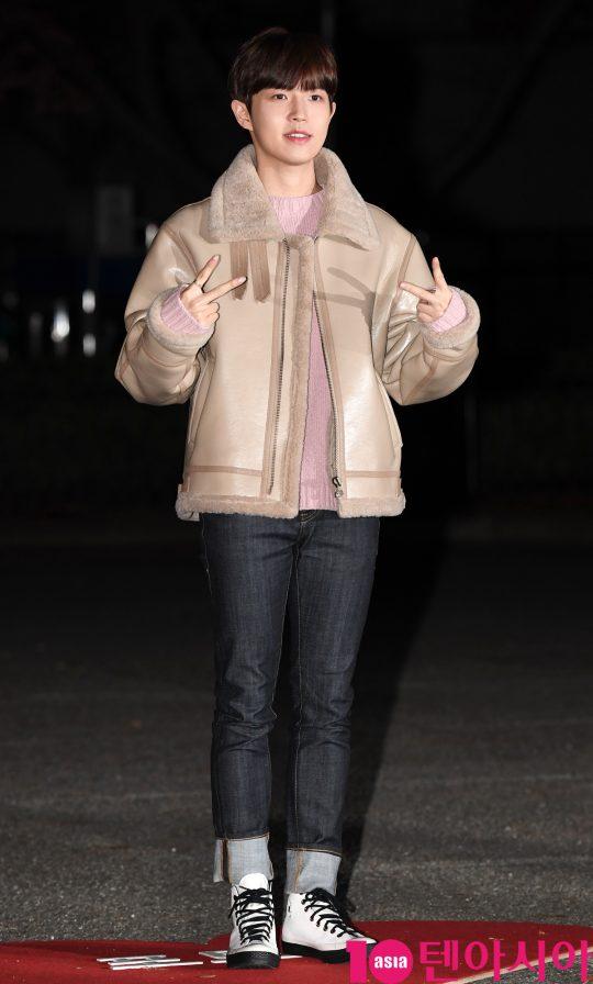 김재환이 20일 오전 서울 여의도 KBS 신관 공개홀에서 열린 KBS2 '뮤직뱅크'(뮤뱅) 리허설에 참석하고 있다.