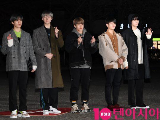 아스트로가 20일 오전 서울 여의도 KBS 신관 공개홀에서 열린 KBS2 '뮤직뱅크'(뮤뱅) 리허설에 참석하고 있다.