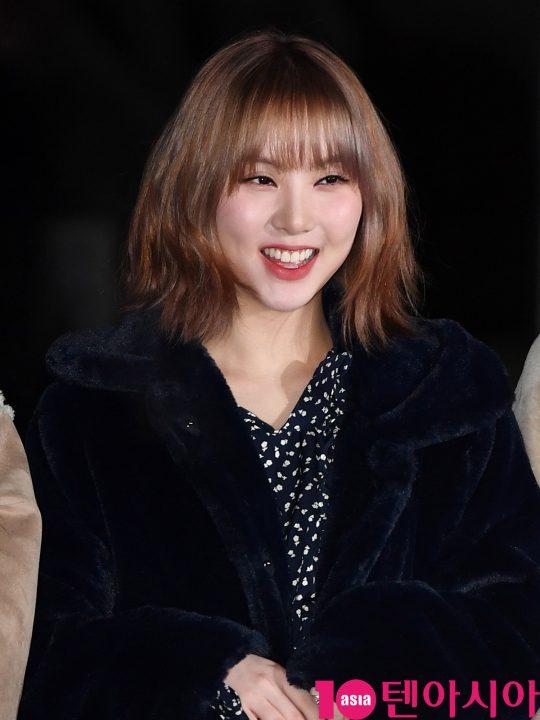 여자친구 은하가 20일 오전 서울 여의도 KBS 신관 공개홀에서 열린 KBS2 '뮤직뱅크'(뮤뱅) 리허설에 참석하고 있다.