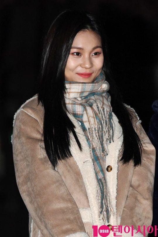 여자친구 엄지가 20일 오전 서울 여의도 KBS 신관 공개홀에서 열린 KBS2 '뮤직뱅크'(뮤뱅) 리허설에 참석하고 있다.