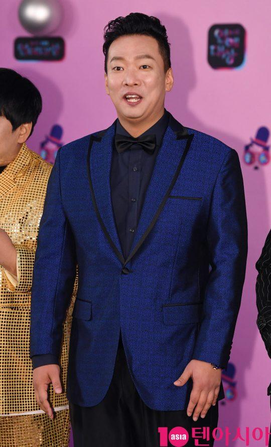 박준형이 21일 오후 서울 여의도동 KBS본관에서 열린 '2019 KBS 연예대상' 레드카펫 행사에 참석하고 있다.