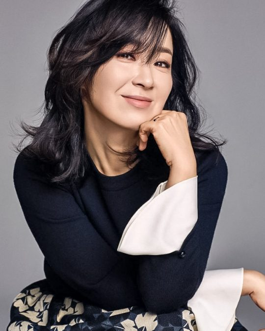 배우 윤유선. /사진제공=유코 컴퍼니