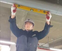 시설물 유지관리, 건물관리, 냉각탑·닥트·배관설비 전문업체인 한국유지보수협동조합의 작업 모습.