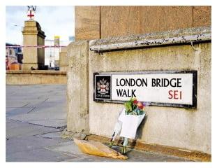 영국 심장부에서 대낮 '칼부림 테러'…5명 사상