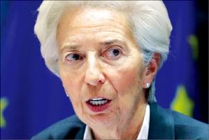 라가르드 ECB 총재 '녹색 양적완화' 꺼냈다