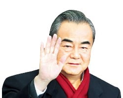 中 왕이 떠나자 화장품株 '뚝뚝'
