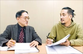 왼쪽부터 정지욱·조영준 심사위원