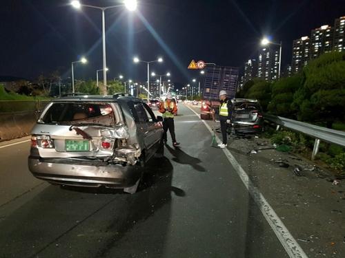 연말 부산서 밤사이 잇단 음주운전사고…운전자 3명 입건
