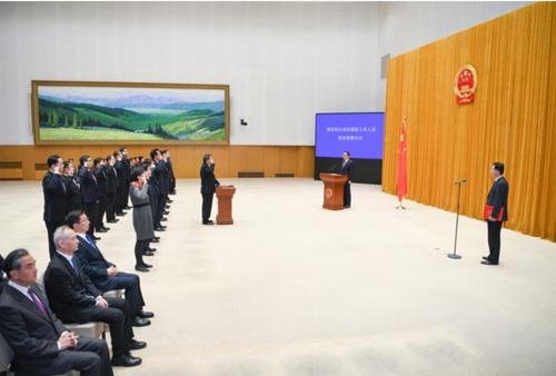 '내우외환' 속 中고위관료들 헌법선서 의식…충성심 강조