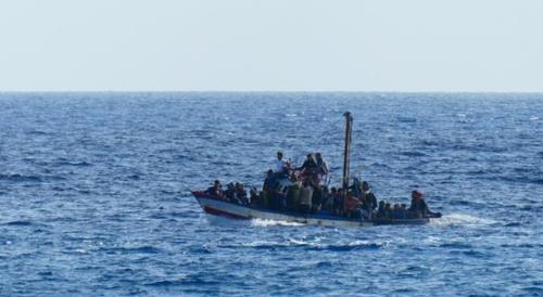 유럽행 감비아 이주민 배 뒤집혀 최소 57명 사망