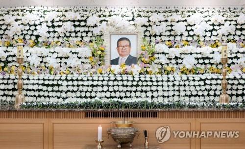구자경 '마지막 길'…사흘째에 LG 사장단 30여명 조문 행렬