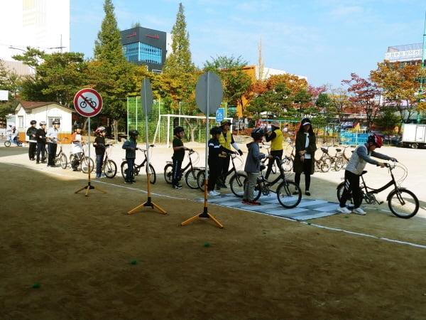 용인시, 초등생 3337명에 찾아가는 자전거 안전교육