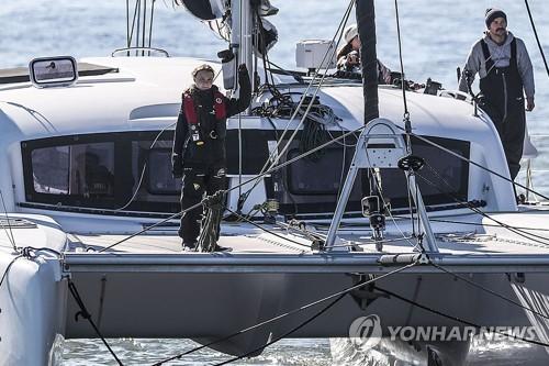 환경소녀 툰베리, 대서양 항해 마치고 포르투갈 도착
