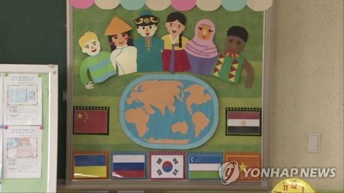 다문화 어린이집 보내려면…보호자 명의 공인인증 발급 '최우선'