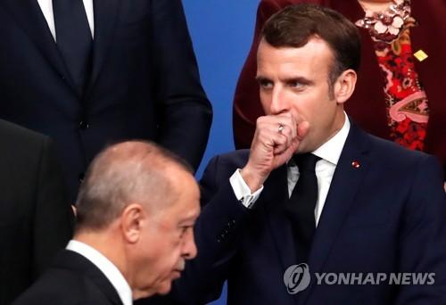 """마크롱, 쿠르드족 문제 놓고 """"터키와 견해차 여전"""""""