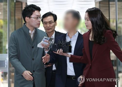 '버닝썬 연루 의혹 경찰총장' 윤모 총경 혐의 전면 부인