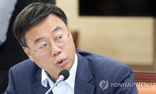"""신상진 """"보건복지부, 어린이집 성폭력 사건에 아마추어 대응"""""""