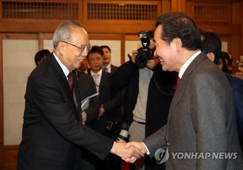 이총리, 中기업인 대표단 접견…'기업 협력 다변화' 공감대