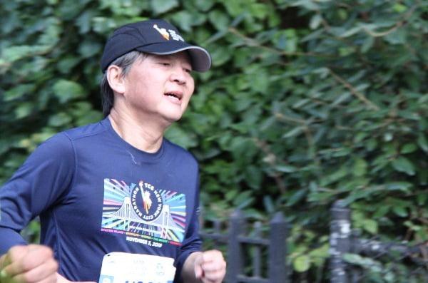 스탠퍼드대 방문학자 자격으로 미국에 체류 중인 것으로 알려진 안철수 전 바른미래당 의원이 지난달 3일(현지시간) 뉴욕시티마라톤에 참가해 달리고 있다. 사진=연합뉴스