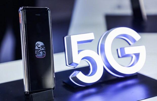 삼성전자가 캐나다 5G 시장에 진출한다. 사진은 삼성전자가 중국에서 공개한 갤럭시 폴드 5G 모델. 사진=연합뉴스