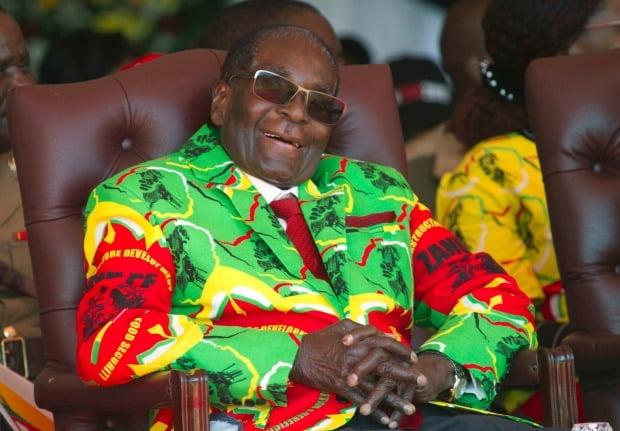 로버트 무가베 전 짐바브웨 대통령의 유산이 공개됐지만 예상보다 금액이 적어 의문이 제기 되고 있다./사진=AP제공