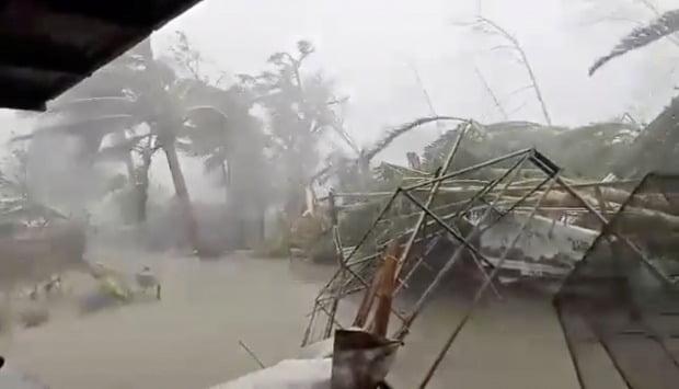 필리핀 북부에 강력한 태풍 '간무리'가 통과해 최소 4명이 숨지는 등 피해가 속출하고 있다./사진=로이터
