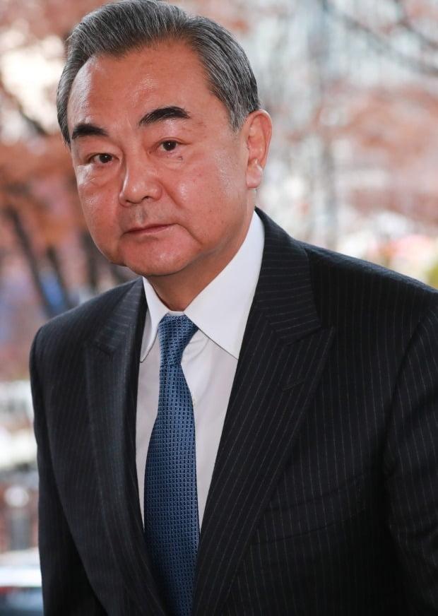 왕이 중국 외교담당 국무위원 겸 외교부장이 4일 외교부 청사를 찾았다. /사진=연합뉴스