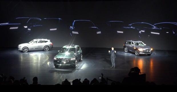 루크 동커볼케 현대차 디자인 담당 부사장이 향후 출시할 제네시스 차량의 디자인 특징을 공개했다. 사진=조상현 한경닷컴 기자