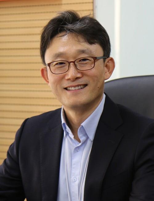 KT, 구현모·박윤영 '투톱' 체제로…AI/DX융합사업부문 신설