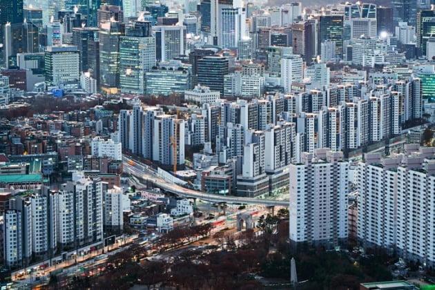 설 명절 이후 4월까지 전국에서 총 8만1592가구가 분양된다. 작년 같은 기간(4만7739가구)보다 약 2배 많은 수준이다. 서울 아파트 전경. /게티이미지뱅크 제공