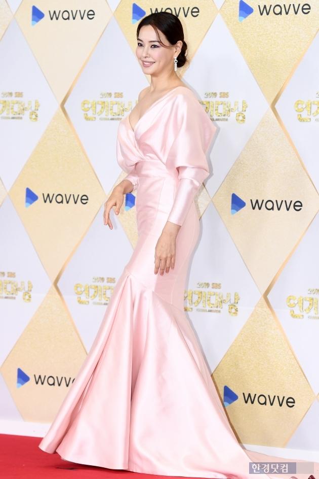 [포토] 이하늬, '언제봐도 아름다운 그녀' (2019 SBS 연기대상)