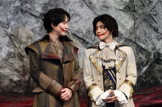 [포토] 규현-수호, '서로를 바라보는 웃는 남자'