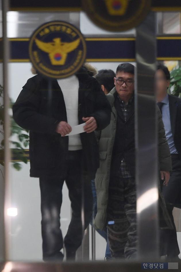 [포토] 12시간 조사 마친 김건모