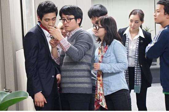 윤성호 감독, MBC에브리원 <할 수 있는 자가 구하라>로 시트콤 연출