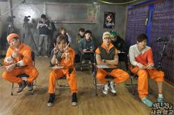 2012년 4월 4일, 오늘의 야생 소년 길들이기 < MIB의 W 사관학교 >