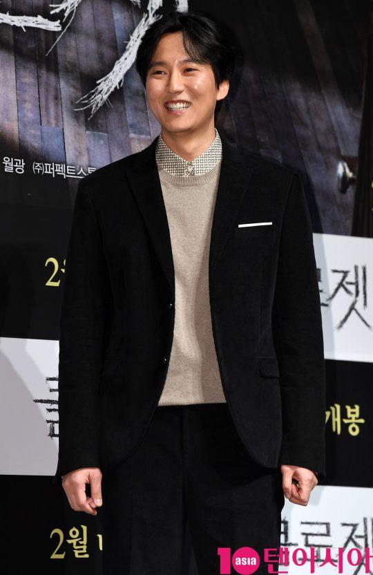 배우 김남길이 2일 오전 서울 신사동 압구정 CGV에서 열린 영화 '클로젯' 제작보고회에 참석하고 있다.