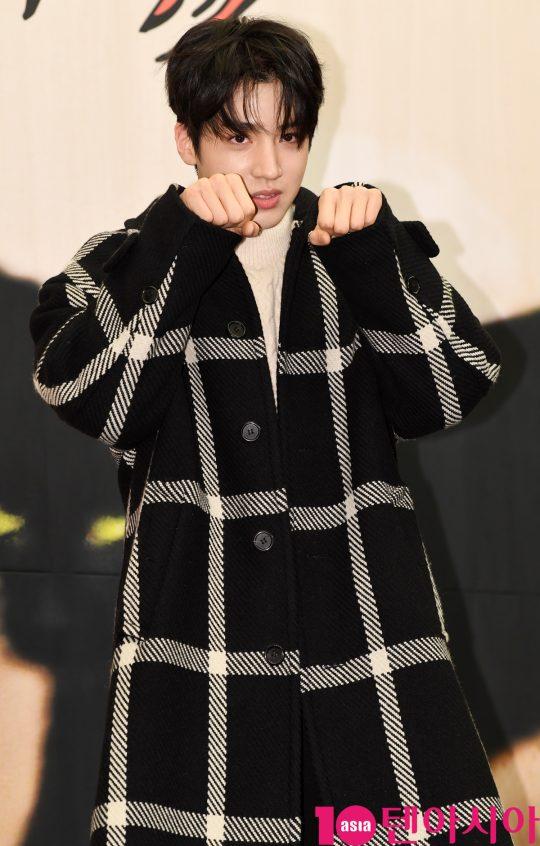 그룹 팬타곤 우석이 3일 오후 서울 마포구 상암동 스탠포드호텔 서울에서 열린 tvN 새 예능 프로그램 '냐옹은 페이크다' 제작발표회에 참석하고 있다.