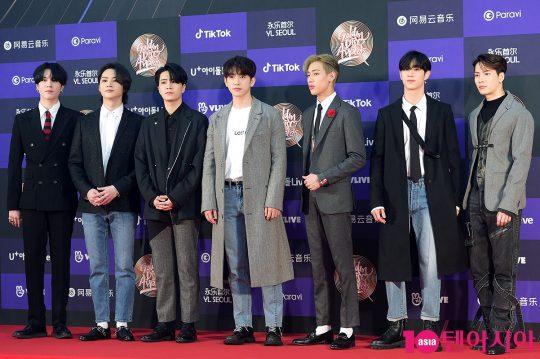 그룹 갓세븐(왼쪽부터 유겸, 제이비, 영재, 진영, 뱀뱀, 마크 잭슨)