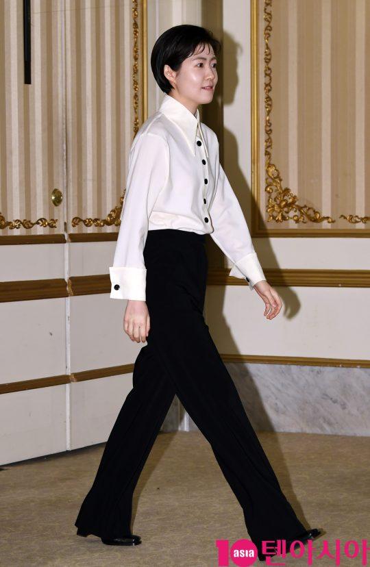 배우 심은경이 8일 오후 서울 강남구 논현동 임피리얼 팰리스 호텔에서 열린 tvN 새 수목드라마 '머니게임' 제작발표회에 참석하고 있다.