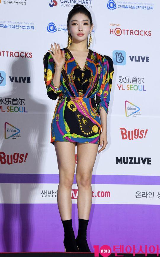 청하가 8일 오후 서울 송파구 잠실실내체육관에서 열린 제9회 가온차트 뮤직 어워즈 레드카펫 행사에 참석하고 있다.