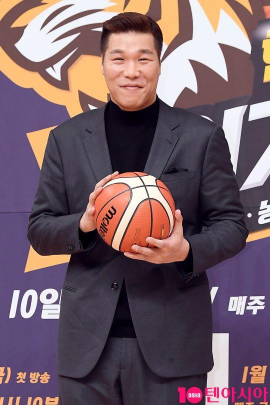 방송인 서장훈이 9일 오후 서울 목동 SBS홀에서 열린 '핸섬타이거즈' 제작발표회에 참석했다. /이승현 기자 lsh87@