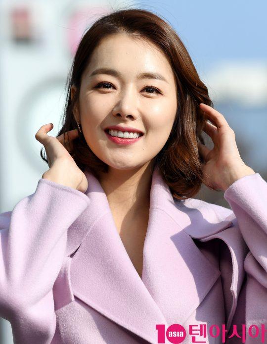 소이현이 11일 오후 서울 여의도동 KBS별관에서 열리는 '해피투게더4' 녹화 방송에 참석하고 있다.