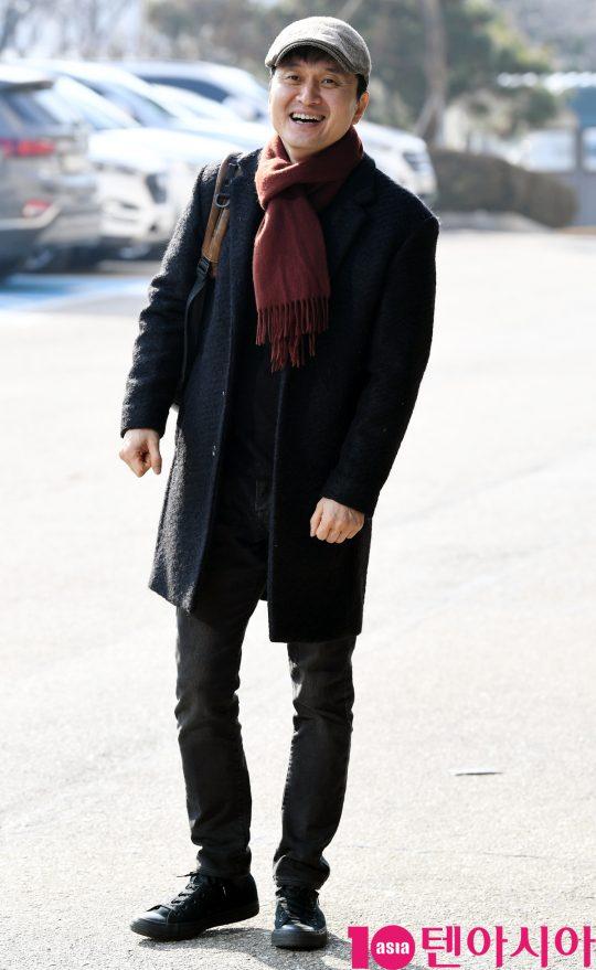 장현성이 11일 오후 서울 여의도동 KBS별관에서 열리는 '해피투게더4' 녹화 방송에 참석하고 있다.