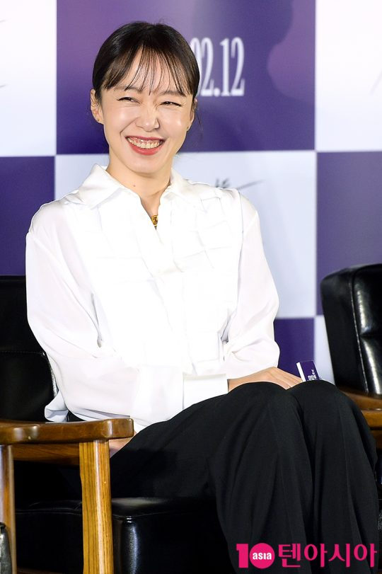 배우 전도연은 새 인생을 살기 위해 남의 것을 탐하는 연희 역을 맡았다. /서예진 기자 yejin@