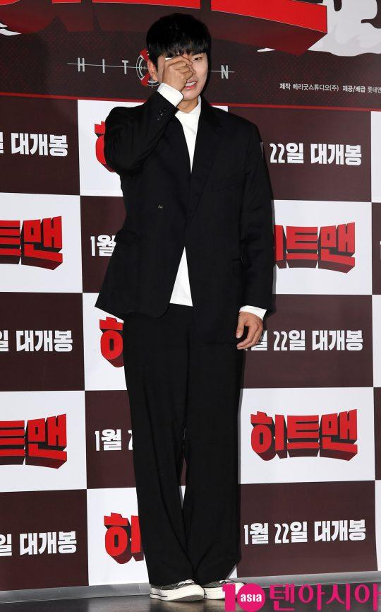 배우 이이경이 14일 오후 서울 자양동 롯데시네마 건대입구점에서 열린 영화 '히트맨' 언론시사회에 참석하고 있다.
