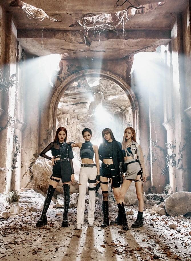 """블랙핑크, 美 페이퍼 선정 `2019 K-Pop Sensation` """"슈퍼그룹의 새로운 전형 제시"""""""