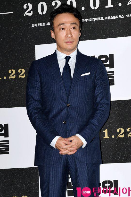 배우 이성민이 15일 오후 서울 한강로3가 CGV 용산아이파크몰점에서 열린 영화 '남산의 부장들' 언론시사회에 참석했다./조준원 기자 wizard333@