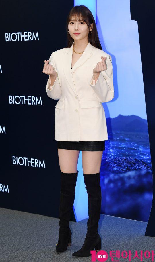 걸스데이 유라가 17일 오후 서울 반포동 파미에스테이션에서 열린 비오템 NEW 라이프 플랑크톤™ 엘릭시어 안티-에이징 세럼 론칭 행사에 참석하고 있다.