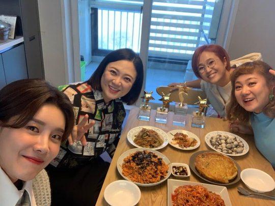 '밥블레스유2' 장도연(왼쪽부터), 김숙, 송은이, 박나래. /사진제공=컨텐츠랩 비보